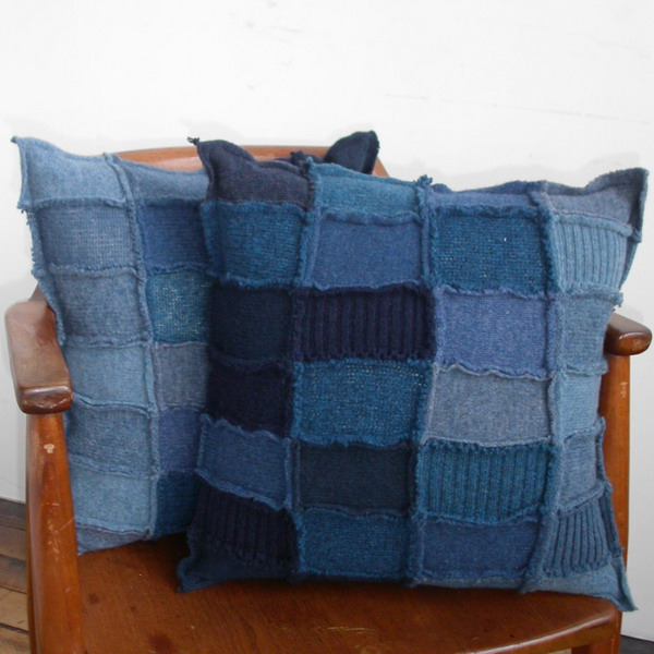 Подушки из старых свитеров.  Прочитать целикомВ.