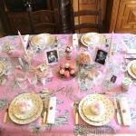 retro-ladies-style-in-art-de-la-table1-1.jpg