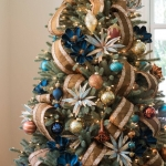 ribbon-on-christmas-tree-ideas17