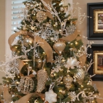 ribbon-on-christmas-tree-ideas18