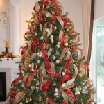 ribbon-on-christmas-tree-ideas21
