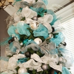 ribbon-on-christmas-tree-ideas22