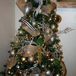 ribbon-on-christmas-tree-ideas26