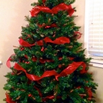 ribbon-on-christmas-tree-ideas27