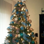 ribbon-on-christmas-tree-ideas28