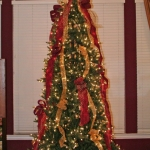 ribbon-on-christmas-tree-ideas34