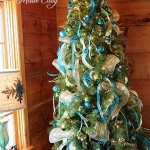 ribbon-on-christmas-tree-ideas35