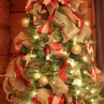 ribbon-on-christmas-tree-ideas36