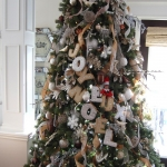 ribbon-on-christmas-tree-ideas37