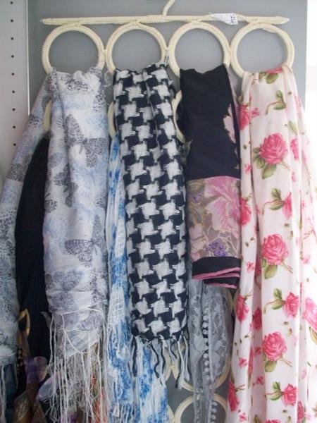 Где хранить шарфы и шелковые платки: 10 приемов + 55 фото-идей на любой вкус