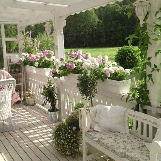 Shabby Chic Decorating Ideas for Porches and Gardens HGTV - induced.info
