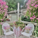 shabby-chic-in-terrace-design-flowers2
