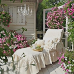 shabby-chic-in-terrace-design-flowers5