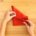shaped-napkins-step-by-step1-4.jpg