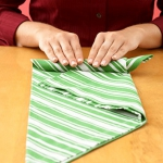 shaped-napkins-step-by-step5-3.jpg