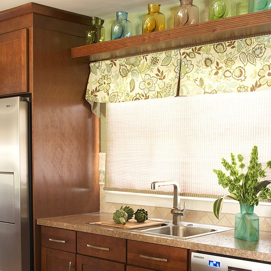 http://www.design-remont.info/wp-content/uploads/gallery/shelves-above-kitchen-windows2/shelves-above-kitchen-windows2-1.jpg