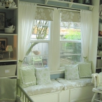 shelves-above-windows-in-kidsroom1.jpg
