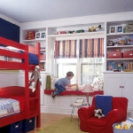 shelves-above-windows-in-kidsroom2.jpg