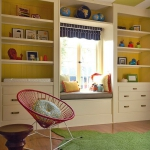 shelves-above-windows-in-kidsroom3.jpg
