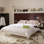 shelves-around-headboard-white3.jpg