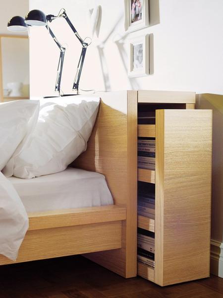 Изголовье кровати с полками фото