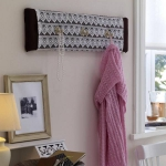 simple-clothes-hooks-decorating-ideas1-1