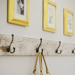 simple-clothes-hooks-decorating-ideas4-1