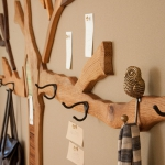 simple-clothes-hooks-decorating-ideas5-4