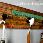 simple-clothes-hooks-decorating-ideas8-4