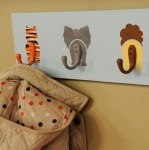 simple-clothes-hooks-decorating-ideas8-5