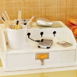 smart-desk-accessories-by-pb5.jpg