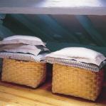 smart-storage-in-wicker-baskets-bedroom8.jpg