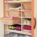 smart-storage-in-wicker-baskets-wardrobe1.jpg