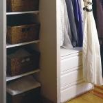 smart-storage-in-wicker-baskets-wardrobe2.jpg