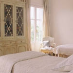 spanish-creme-pastel-home-tours3-5.jpg