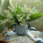 spring-decor-ideas-from-lily-of-the-valley-vases-style2-9