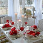 st-valentine-red-white-table-setting1-1.jpg