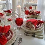st-valentine-red-white-table-setting1-7.jpg
