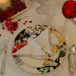 st-valentine-red-white-table-setting2-7.jpg