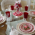 st-valentine-red-white-table-setting3-1.jpg