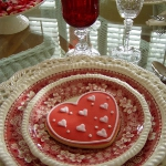 st-valentine-red-white-table-setting3-12.jpg