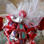 st-valentine-red-white-table-setting3-3.jpg