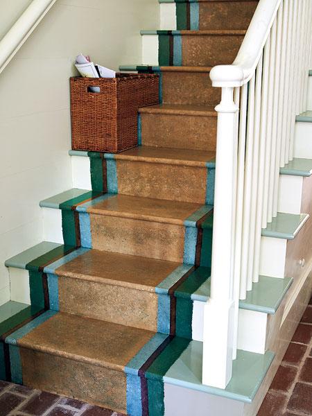 Как покрасить лестницу в доме своими руками