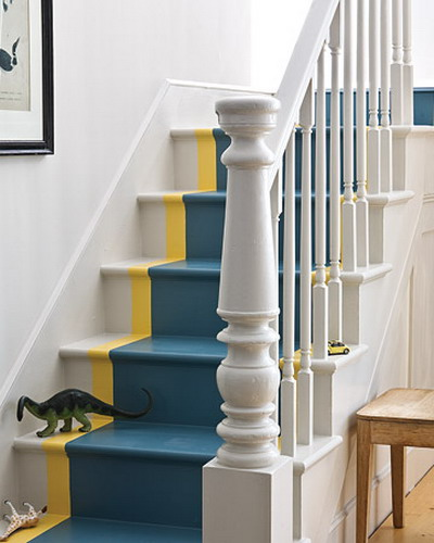 Как красиво покрасить лестницу в доме и