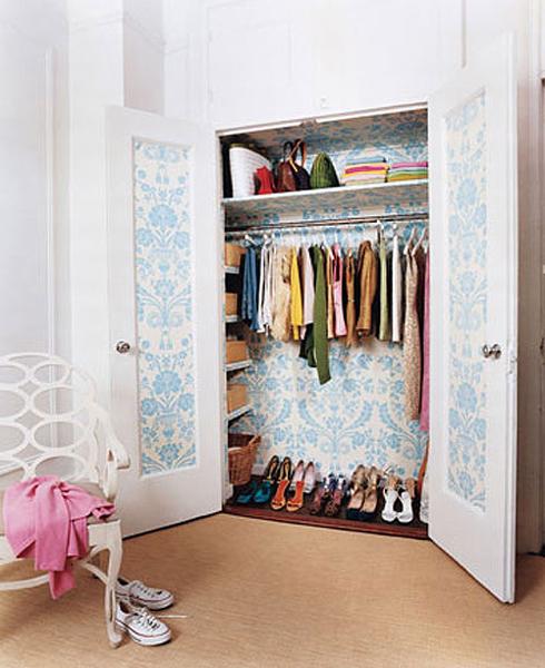 Как украсить гардероб своими руками