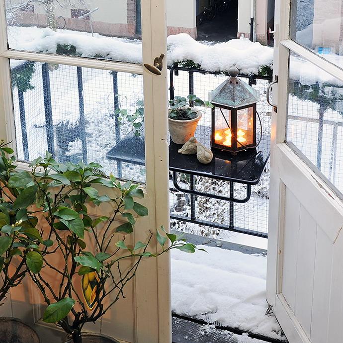 Как украсить балкон фото..