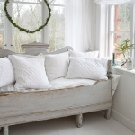 swedish-shabby-chic-furniture2.jpg