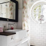 swedish-shabby-chic-bathroom1.jpg
