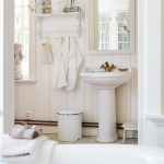 swedish-shabby-chic-bathroom2.jpg