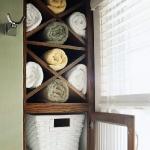 towels-storage-ideas-in-large-bathroom2-2.jpg